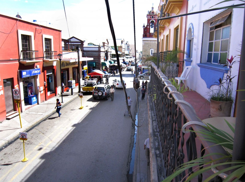 The street scene from the balcony of Hosal Del Mercado.