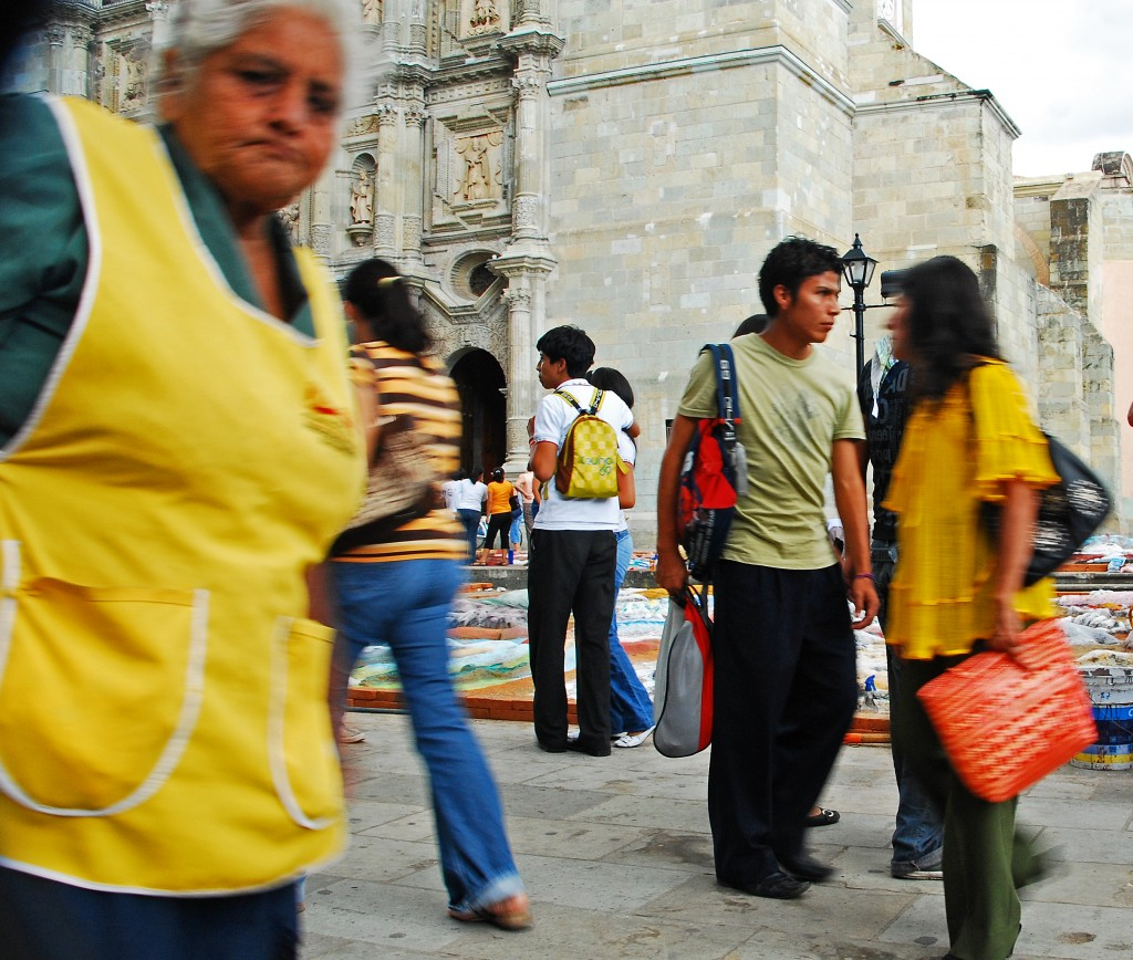 DSC 0690croppedcolor 1024x868 Street Photos   Oaxaca, Mexico
