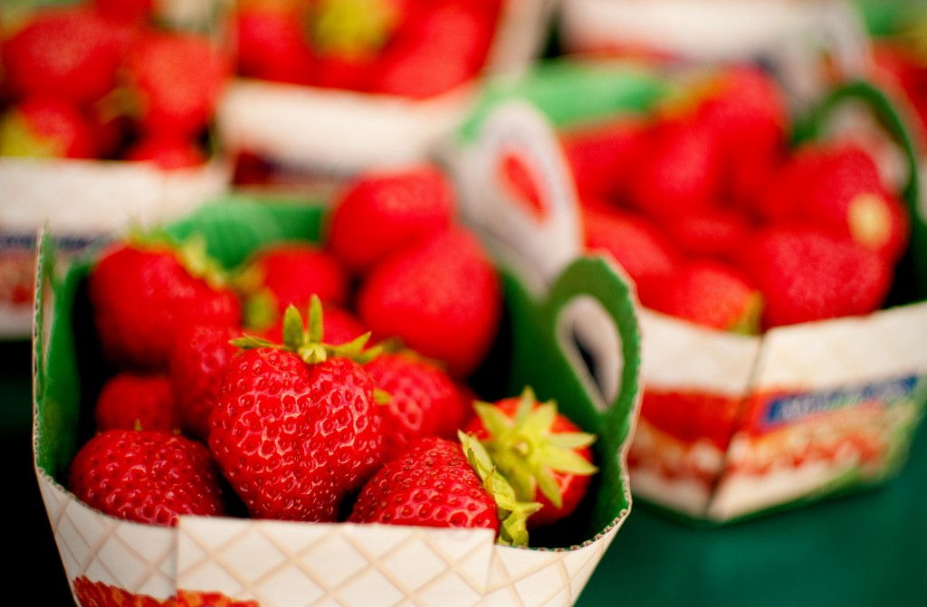 Strawberries at a Paris Market in France Smaller 1024x671 Eating on a Budget in Europe.