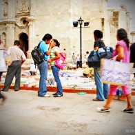 oaxaca-kissing-couple-smallerforBnB